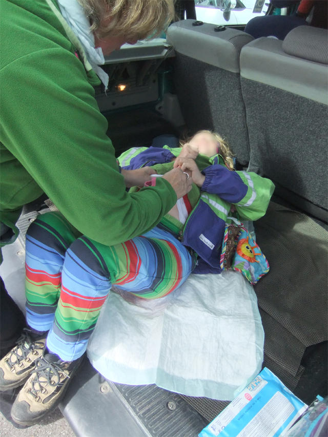 Changing diapers in the luggage space of your car?!? – Undignified and unacceptable!!! Photo: © 2016 Hofmann